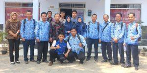 Peserta dari kecamatan Bodeh berfoto bersama setelah pelatihan pengenalan dasbor sidekem berbasis website.